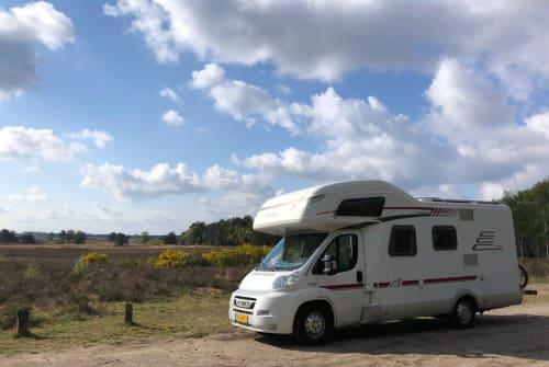 Wohnmobil mieten in Den Haag von privat | Hymer Playmobiel