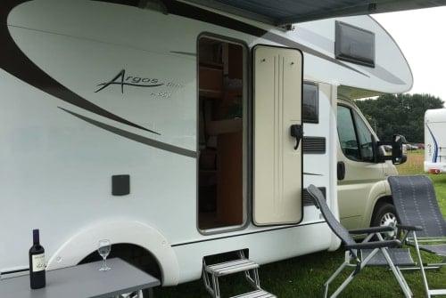 Wohnmobil mieten in Loenen aan de Vecht von privat | Adria sport  Hugo