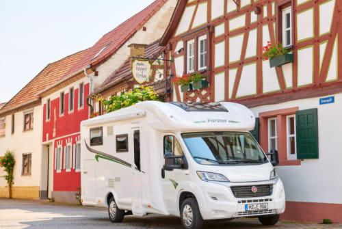 Wohnmobil mieten in Görgeshausen von privat | Forster T 738 EB Amira