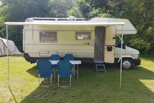 Wohnmobil mieten in Heerhugowaard von privat | LMC Barts camper