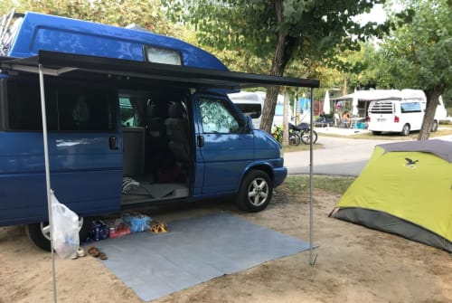 Wohnmobil mieten in Freiburg im Breisgau von privat | VW Bus California Lucky