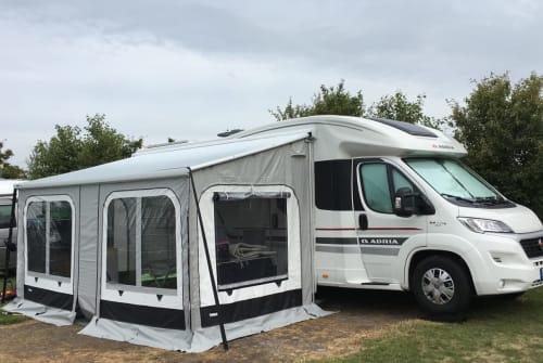 Wohnmobil mieten in Dinslaken von privat | Adria 4*Hotel on Tour