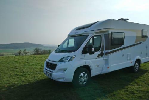 Wohnmobil mieten in Büdingen von privat | Carado Joli