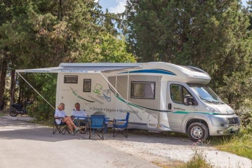 Wohnmobil mieten in Geni von privat | Chausson Sweet Garage