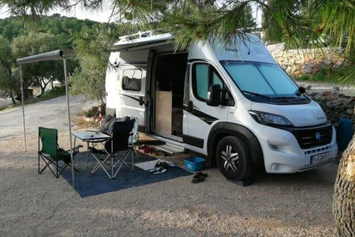 Wohnmobil mieten in Lappersdorf von privat | Knaus New Hollister