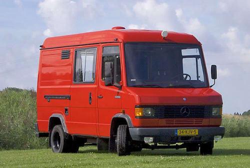 Wohnmobil mieten in Doornspijk von privat | Mercedes De rode Benz
