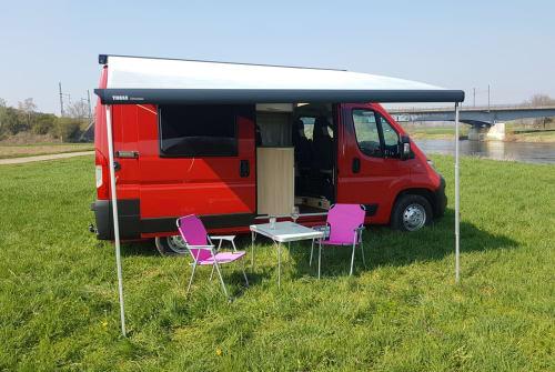 Wohnmobil mieten in Bielefeld von privat | Roadcar  Roter Blitz