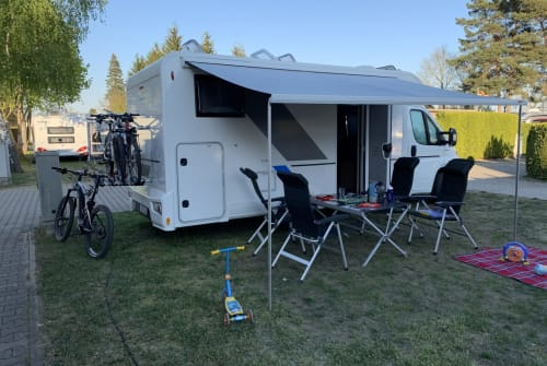 Wohnmobil mieten in Jena von privat | SUN Living Sun Living S70