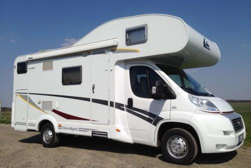 Wohnmobil mieten in Cremlingen von privat | Fiat Roadsurfer