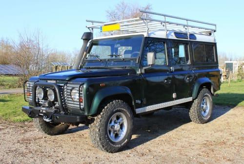 Wohnmobil mieten in Kamerik von privat   Land Rover Defender 110