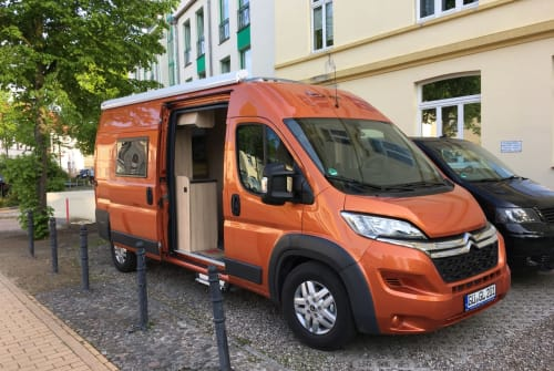Wohnmobil mieten in Güstrow von privat | Clever Orange Dream