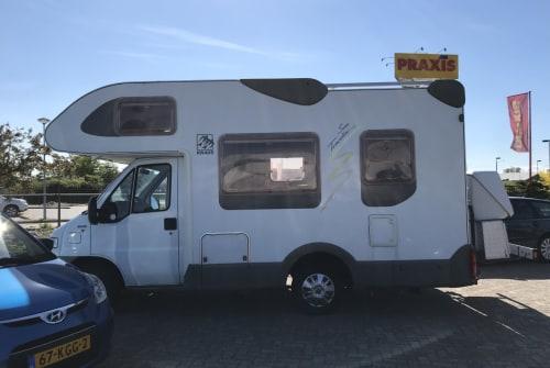 Wohnmobil mieten in Breda von privat | Knaus Traveller 504