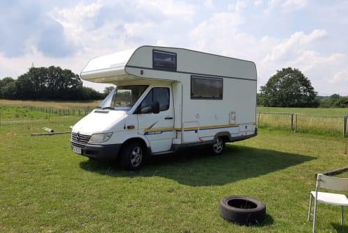 Wohnmobil mieten in Kiel von privat | Mercedes  Nigel