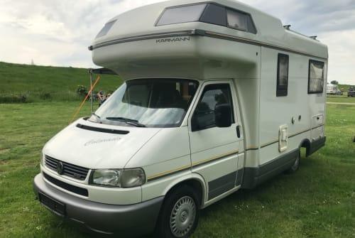 Wohnmobil mieten in Magdeburg von privat | Volkswagen  Manni 2.0 der komfortabler Reisebegleiter für 4 mit Klima, Bad, Toilette