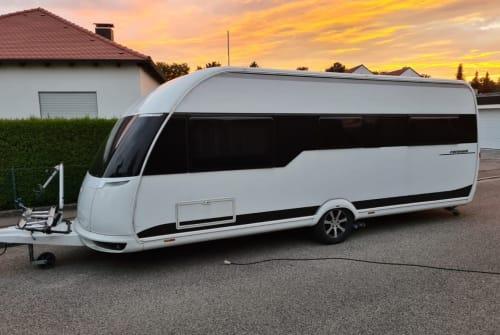 Wohnmobil mieten in Mering von privat | Hobby Speedexperience
