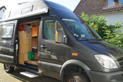 Wohnmobil mieten in Kassel von privat | CS Flatmobil
