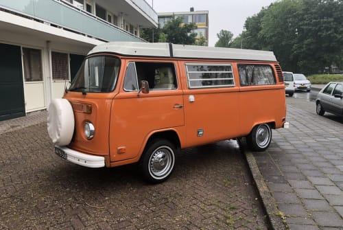 Wohnmobil mieten in Amstelveen von privat | Volkswagen T-2 Orange