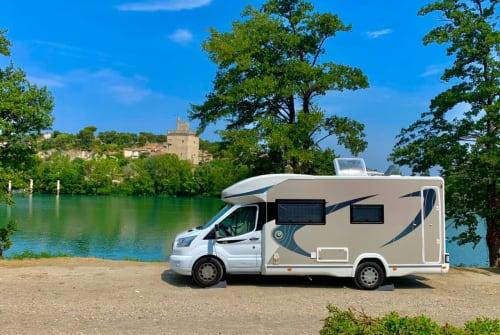 Wohnmobil mieten in Soest von privat | Chausson mobiles Sofa