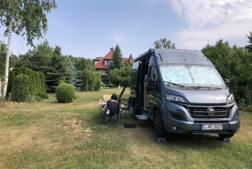 Wohnmobil mieten in Chemnitz von privat | Hymer Ayers Rock