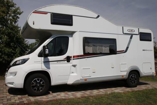 Wohnmobil mieten in Brüel von privat | LMC Breezer Womo
