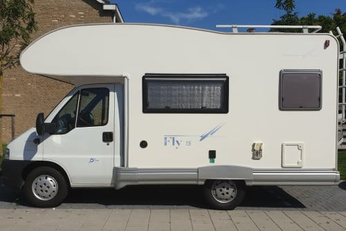 Wohnmobil mieten in Voorschoten von privat | SEA Luxe camper