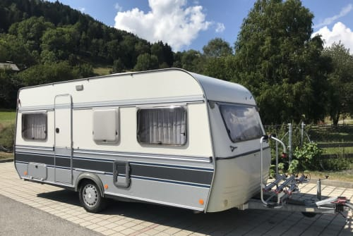 Wohnmobil mieten in Dettenhausen von privat | Fendt Larelix-Camping