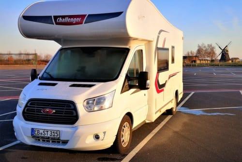 Wohnmobil mieten in Jesewitz von privat | Challenger Buddy