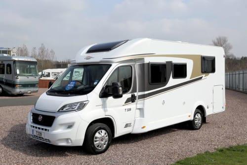 Wohnmobil mieten in Maasbree von privat   Carado  Carado 2-p 2019