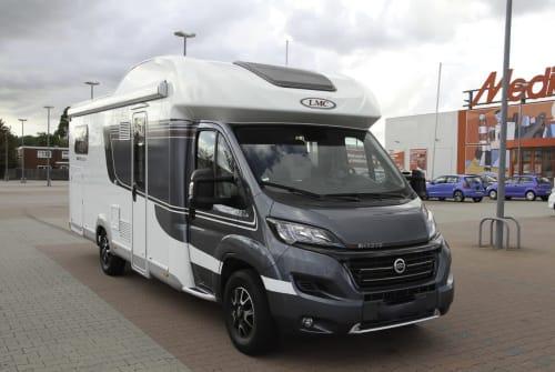 Wohnmobil mieten in Velbert von privat | LMC (Lord Münsterland Caravan) LMC Breezer