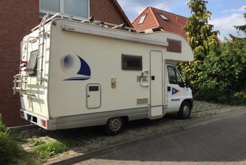 Wohnmobil mieten in Langenhagen von privat | Ahorn DINGHY