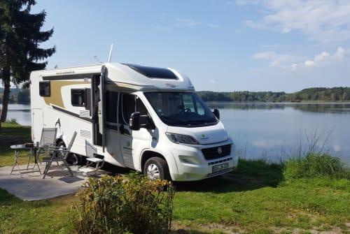 Wohnmobil mieten in Büdingen von privat | Carado Jennys Exklusiv