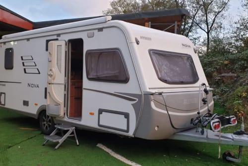 Wohnmobil mieten in Mandelbachtal von privat | Hymer Novi