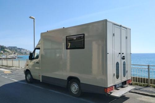 Wohnmobil mieten in Köln von privat | Mercedes Ben
