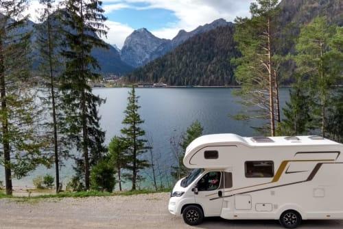 Wohnmobil mieten in Gröbenzell von privat | Eura Mobil Das Wintermobil