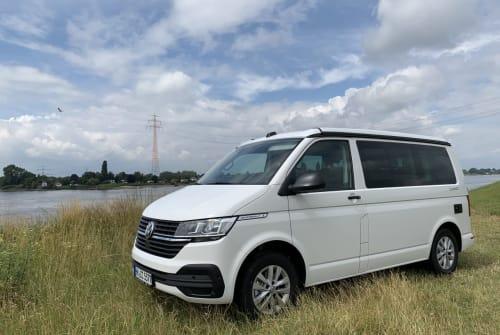Wohnmobil mieten in Hamburg von privat | VW White Russian