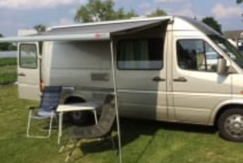 Wohnmobil mieten in Ysselsteyn von privat | mercedes 208 d Bens Benz