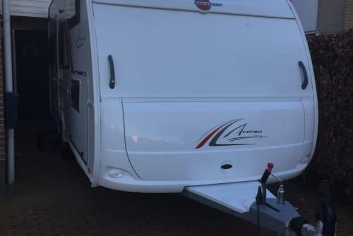 Wohnmobil mieten in Nieuwleusen von privat | Burstner Familie caravan
