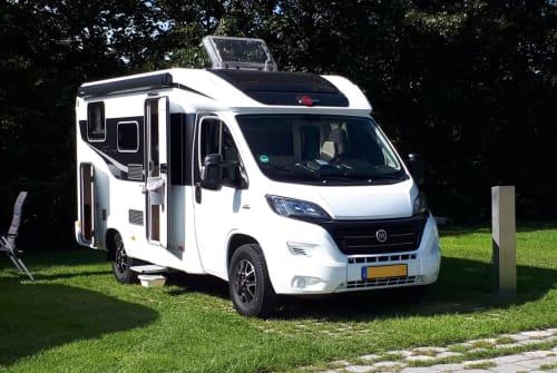 Wohnmobil mieten in Hoorn von privat | Burstner Burstner ICLine
