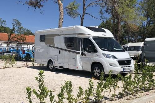 Wohnmobil mieten in Valley von privat | Carado CORA