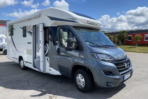 Wohnmobil mieten in Grevenbroich von privat | Chausson Luxus Welcome