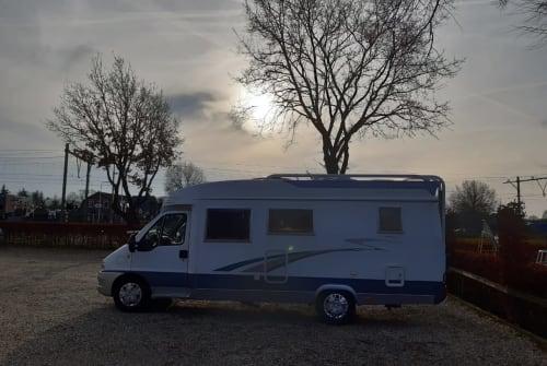 Wohnmobil mieten in Arnhem von privat   Hobby Belle