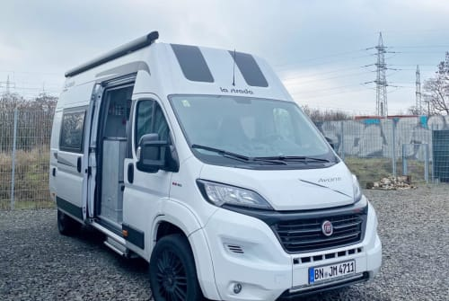 Wohnmobil mieten in Bonn von privat | La Strada Abanti C 4711