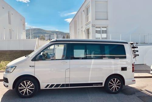 Wohnmobil mieten in Stuttgart von privat | VW White Home T6
