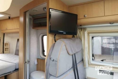 Wohnmobil mieten in Tilburg von privat | Adria Twin buscamper Full options