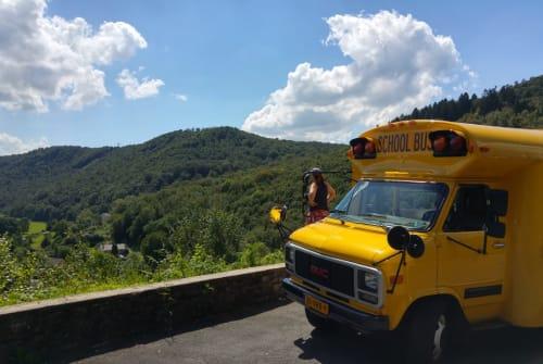 Wohnmobil mieten in Appingedam von privat | GMC Schoolbus