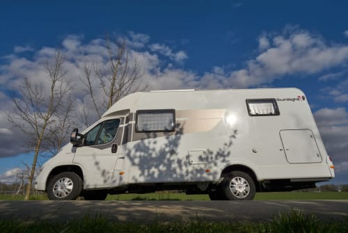 Wohnmobil mieten in Delmenhorst von privat | Sunlight DELFI