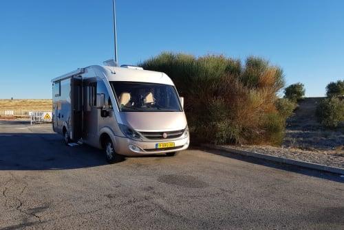 Wohnmobil mieten in Numansdorp von privat | buerstner happy holliday