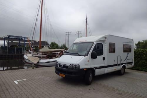 Wohnmobil mieten in Amersfoort von privat | dethleffs Globebus T 2