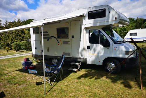 Wohnmobil mieten in Hennef von privat | Hymer  WOma