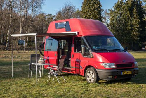 Wohnmobil mieten in Tilburg von privat | Ford  nugget douchewc